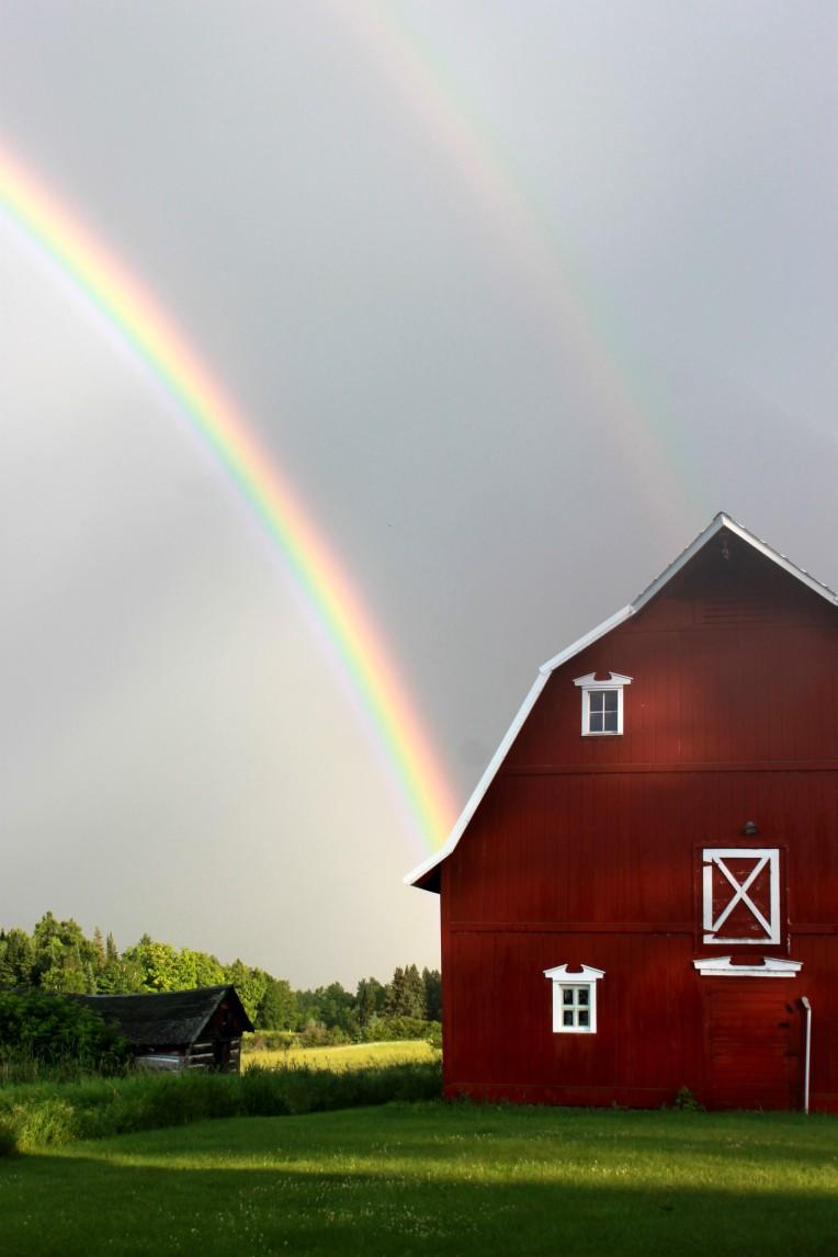 rainbow over barn / rejoicing hills